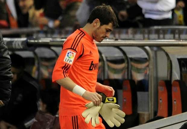Ao contrário do que muito aziado anti Mourinho apregoa Casillas saiu do Real  Madrid CF ... e71da6796ae4d