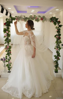 Pose Of Bridal