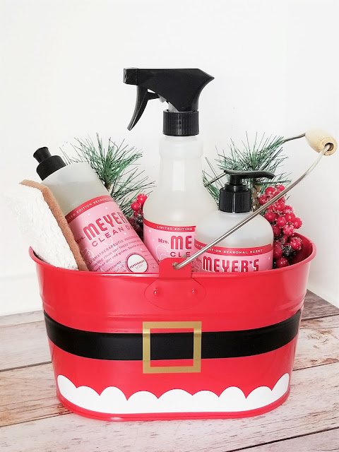 Make your own Simple Santa Caddy with this free SVG and PNG file.  Makes a great gift and fun way to get your home ready for the holidays.