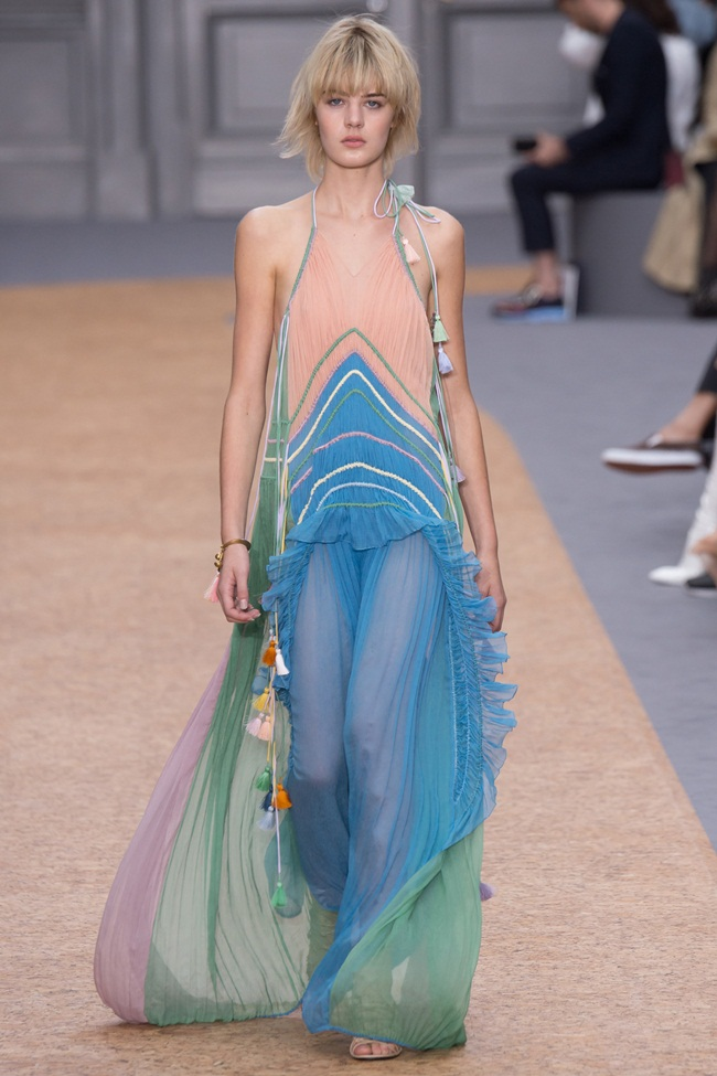 2016 SS Chloé Tasseled Ruffled Silk-Crepon Gown on Runway