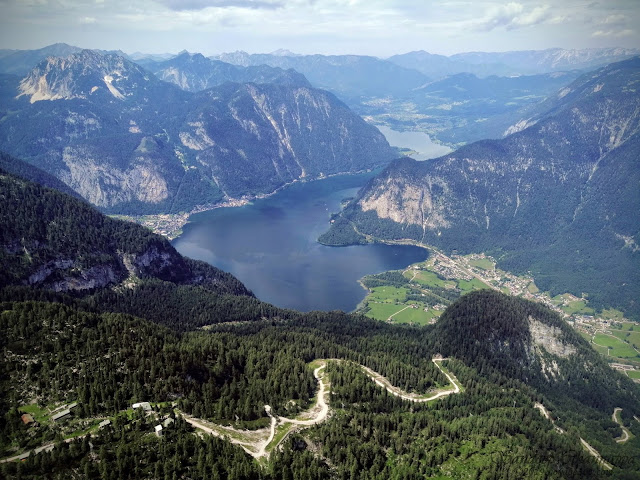 Panoramic view of the Hallstatter see and Dachstein mountains from 5fingers view point