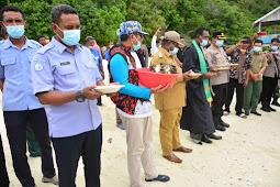 Manuel Piter Urbinas Pimpin Tutup Sasi Adat Warga Kawe di Kepulauan Wayag