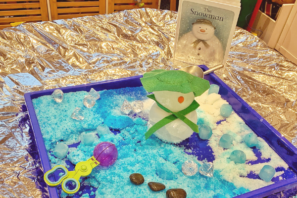 Melting snowman tuff tray activity
