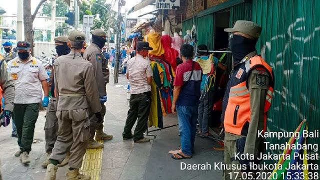 Jerit Pedagang Pasar Tanah Abang: Kami Diuber, Coba Swalayan?