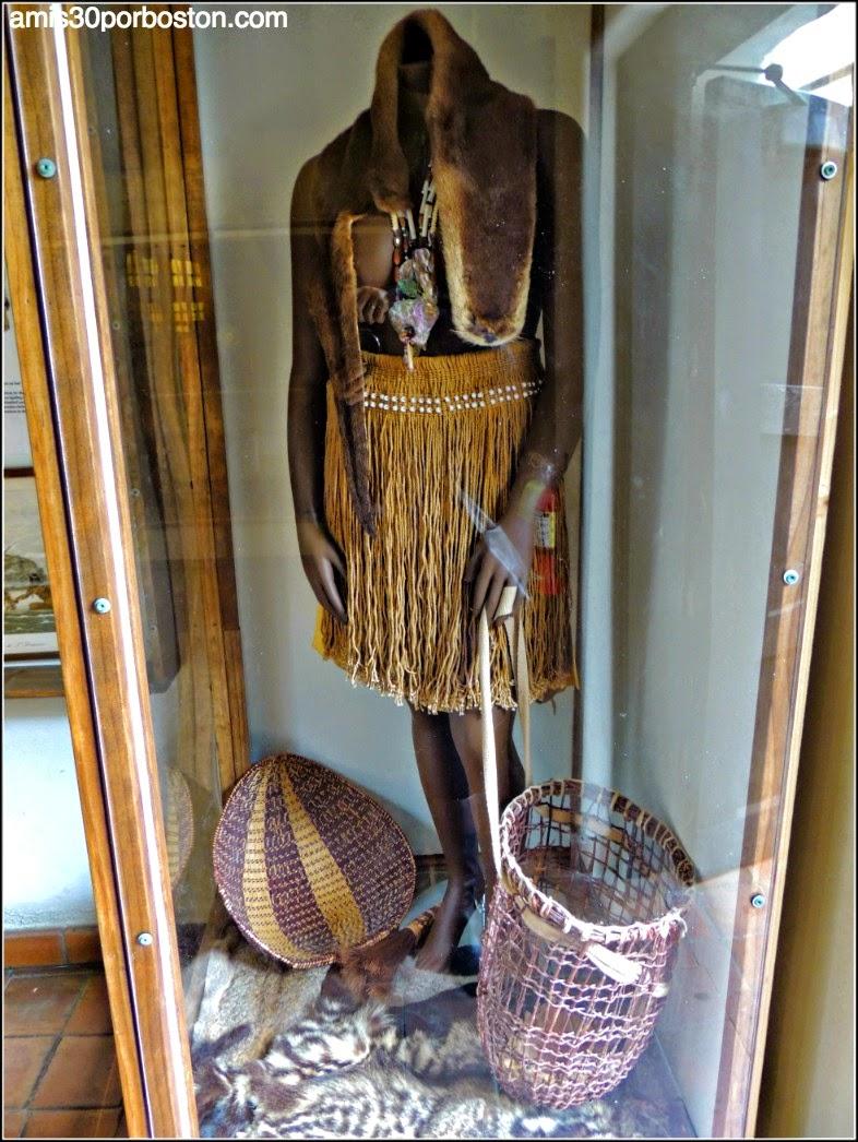 Vestimentas de los Indios en la Misión Dolores, San Francisco