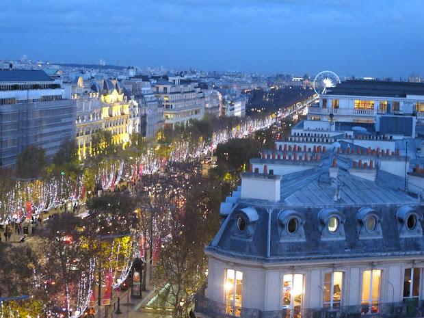 Travel & Adventures Champs Elyses Paris. Voyage Paris France West Europe