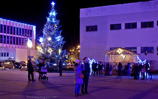 http://fotobabij.blogspot.com/2015/12/puawy-noca-plac-fryderyka-chopina_11.html