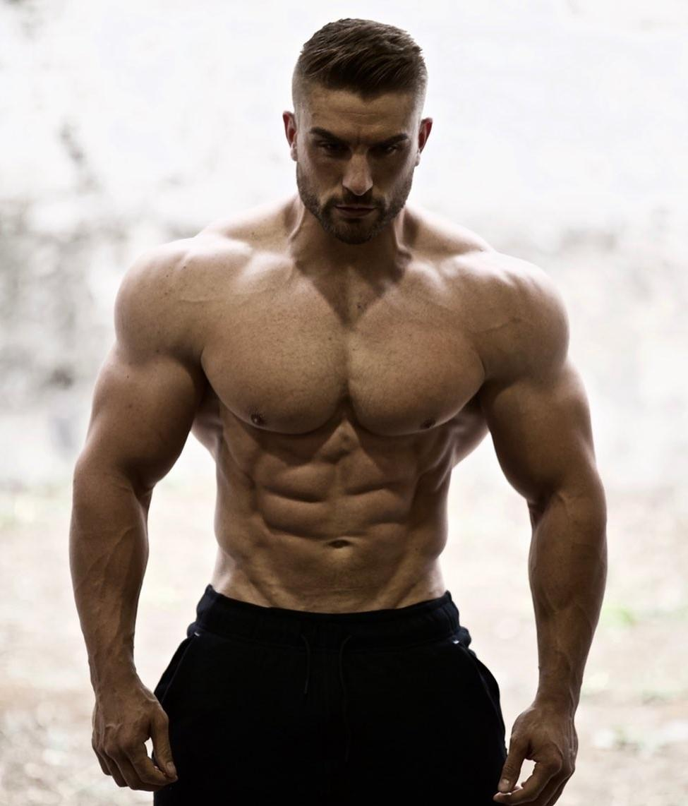masculine-alpha-males-shirtless-dilf-ryan-terry-strong-shoulders-muscular-bodybuilder-daddy
