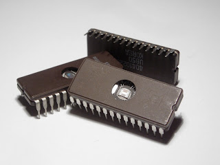 Contoh Komputer Generasi Kedua