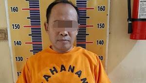 Oknum Kepala Desa Saungdadi dijemput paksa Anggota Polres Oku Timur di Kediri