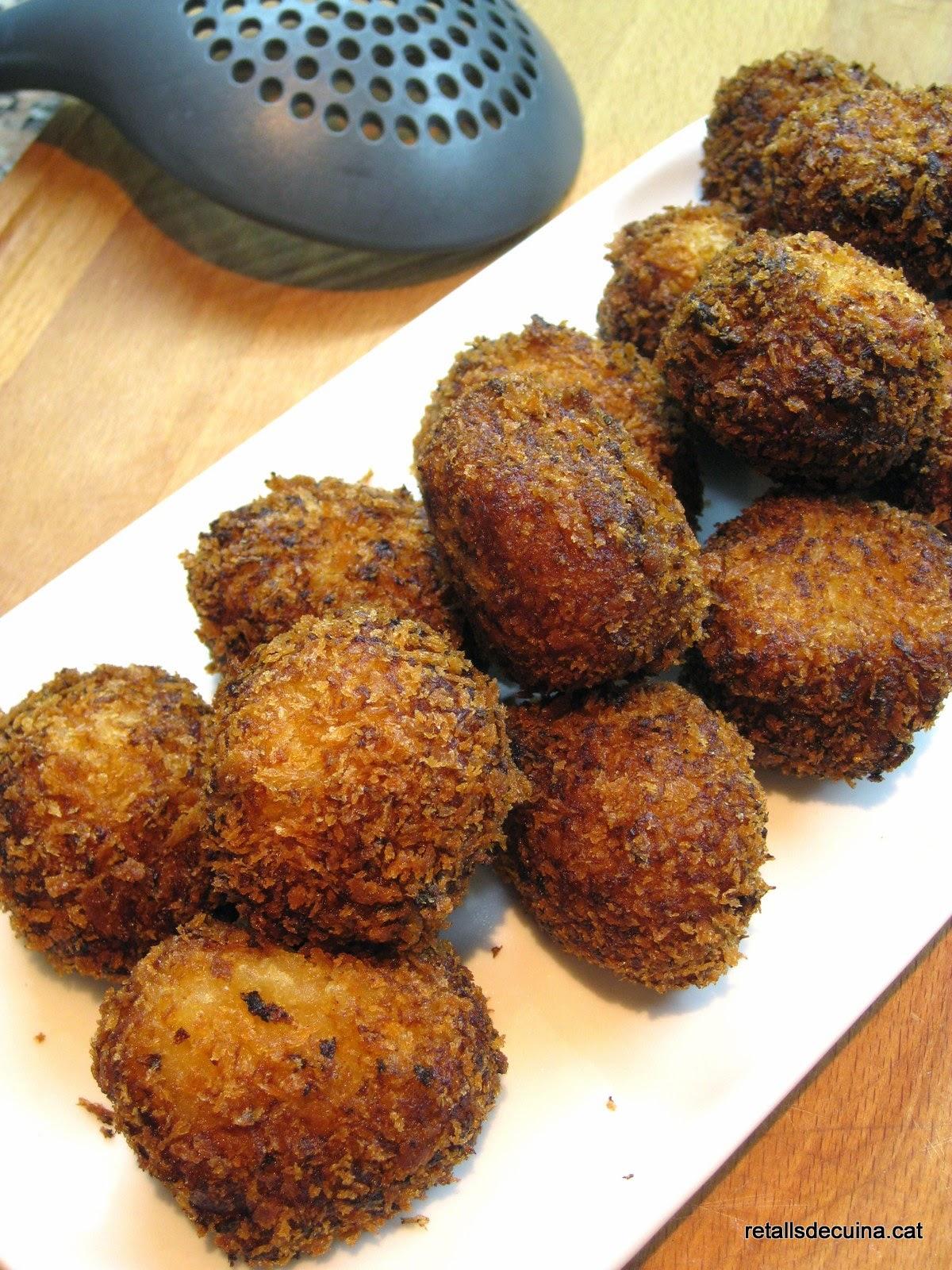Croquetes de patates i melmelada de ceba amb ceps de La Fageda