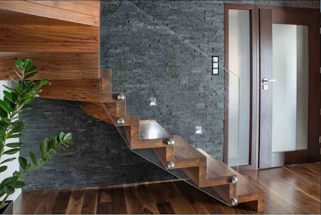 Gạch ốp tường trang trí cầu thang
