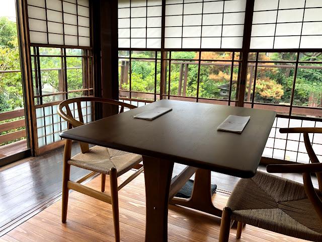 茶餐無垢のテーブル席