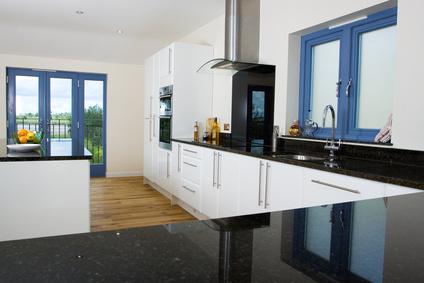 naturstein ein kunstwerk der natur k chenarbeitsplatten. Black Bedroom Furniture Sets. Home Design Ideas