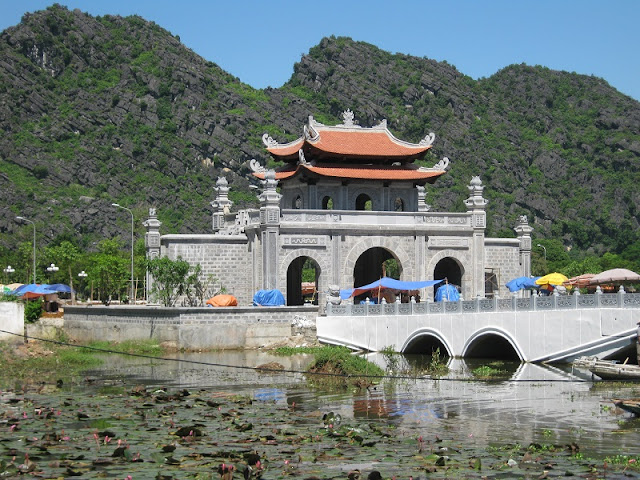 10 Adventurous Day Trips From Hanoi - Halong bay, Ninh Binh and more 1
