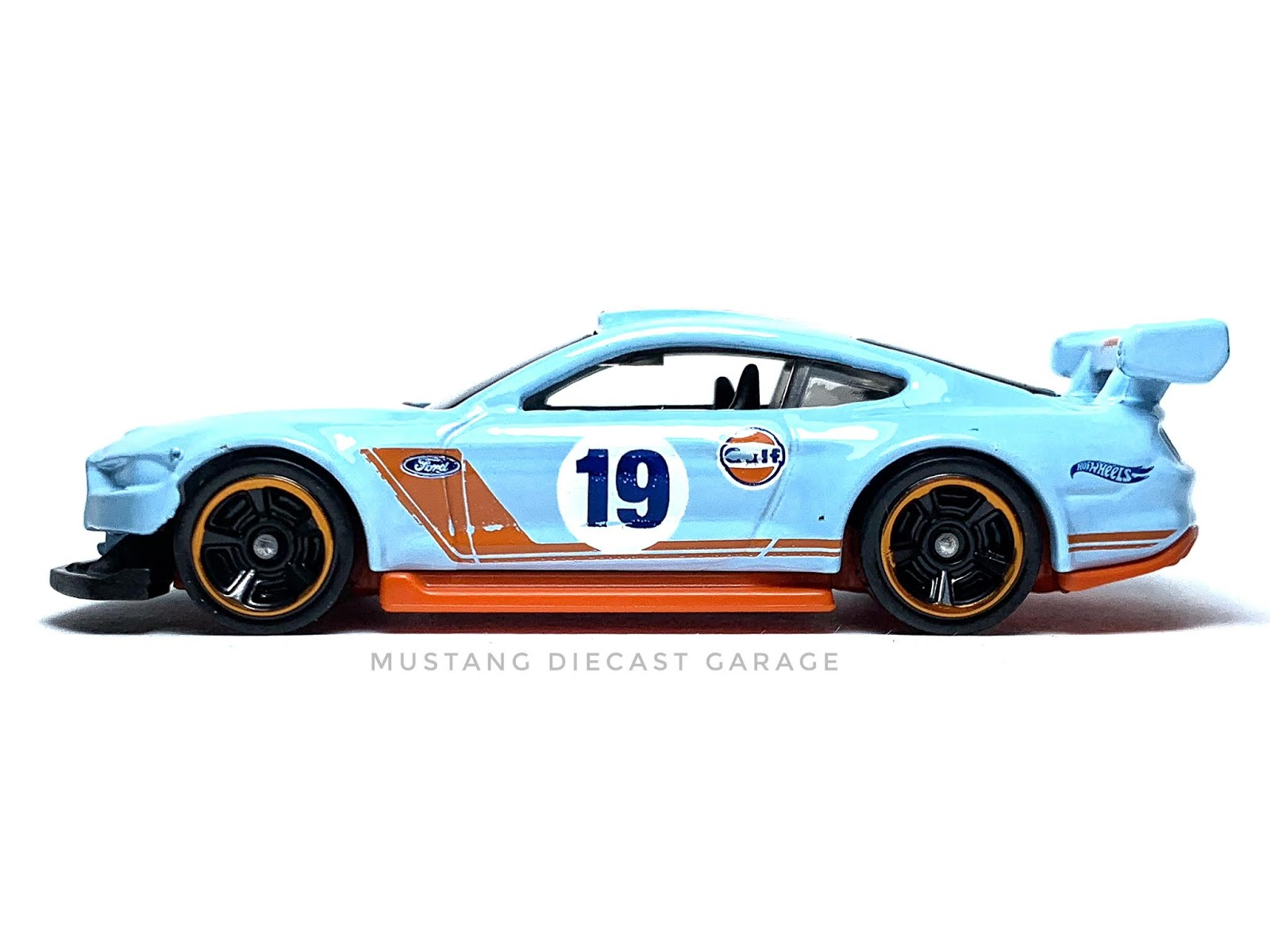FORD MUSTANG GT 2015 HOT WHEELS 1//64