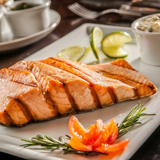 Barbecued maple syrup salmon