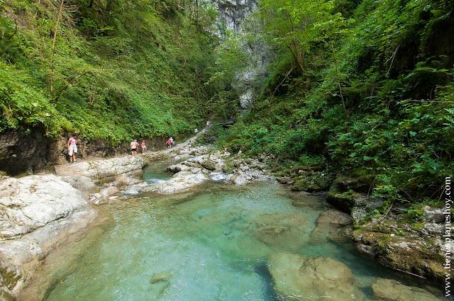Ruta Cascada Kakueta senderismo pirineo frances turismo escapada paisajes