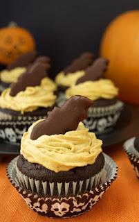 Recipe for vegan chocolate bat cupcakes
