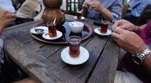 كبار السن الذين يشربون الشاي هم أقل عرضة للإصابة بالاكتئاب - موقع اخبار فلسطين اليوم