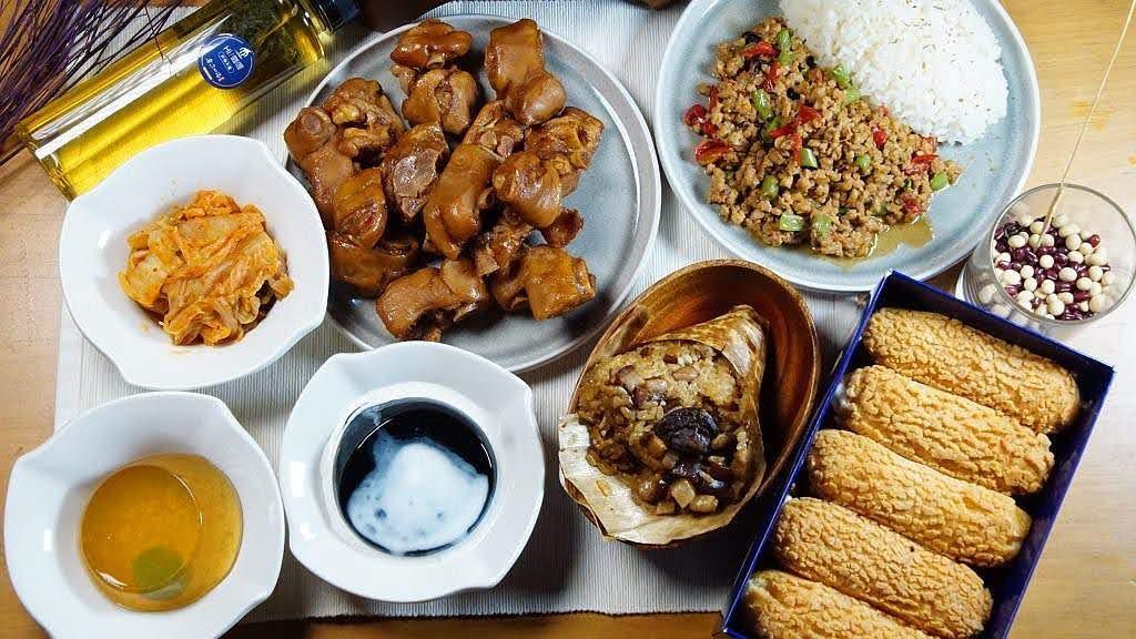 85年歷史國宴級米糕:榮盛點心、冠津海鮮粥領軍|台南「沙卡里巴」全明星組合包|低溫宅配免運費送到府|在家也能享用台南美食
