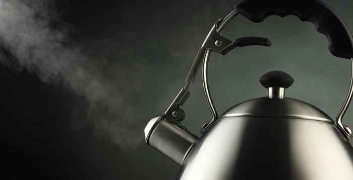 La presión de vapor es menor cuando se adiciona un soluto