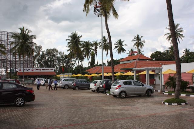 Empire restaurant at Maddur along Bangalore - Mysore Road is located besides Adiga's restaurant