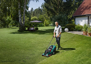 makes beauty garden, Bosch Rotak 42 LI Ergoflex Cordless Lawn Mower £280.00