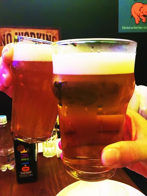 Um brinde à vidaaaaaa no Birreria Escondido CA