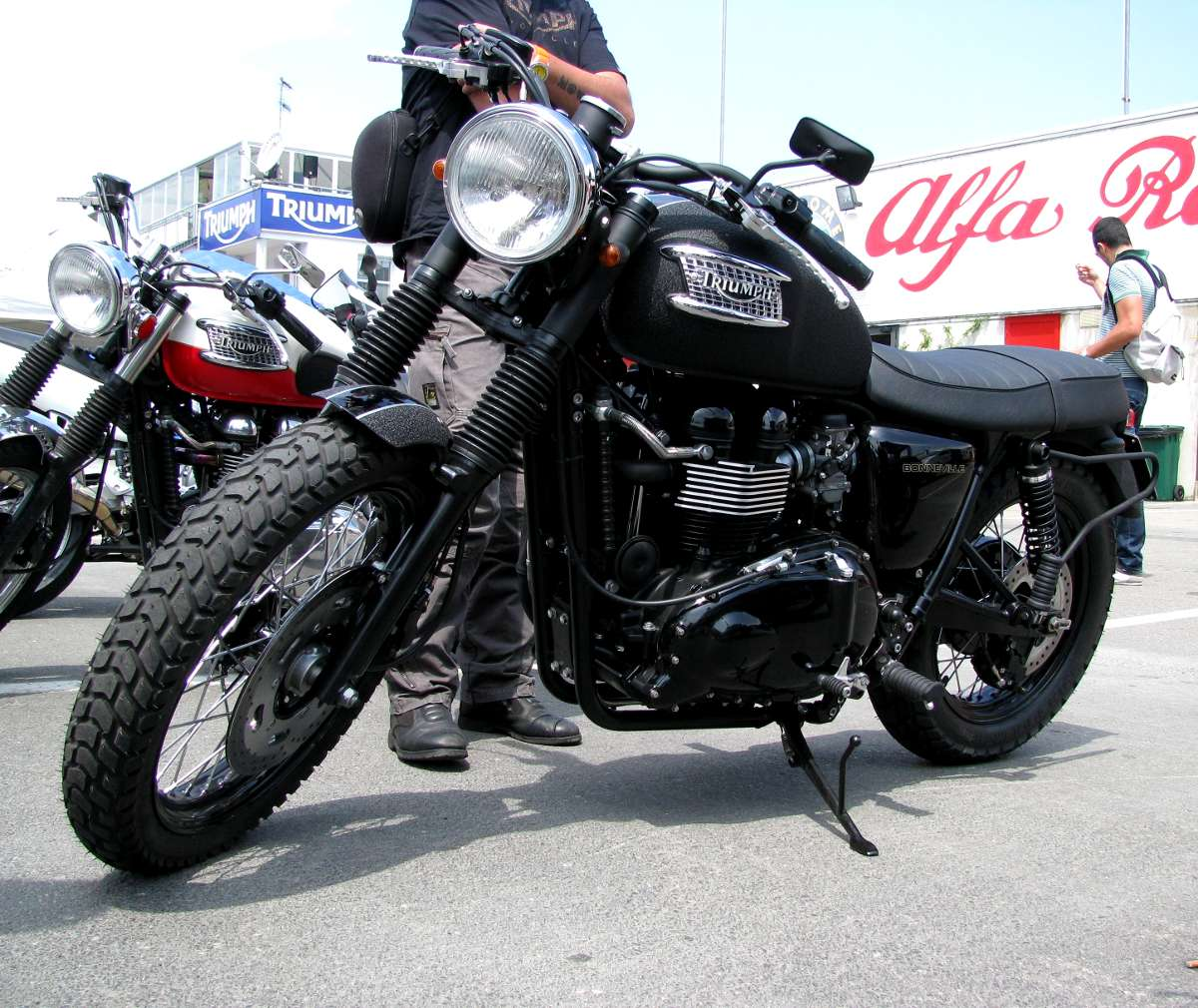 cafe racer special triumph scrambler dragracing. Black Bedroom Furniture Sets. Home Design Ideas