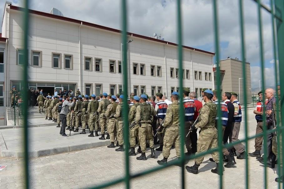 Ελεύθεροι υπό όρους 10 ναύαρχοι που επέκριναν τον Ερντογάν