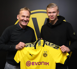 Erling Haaland signs contract with Dortmund until 2024