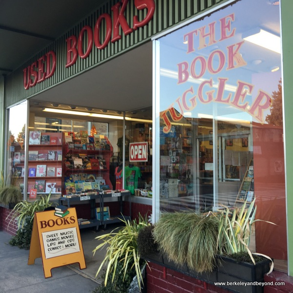 exterior of The Book Juggler in Willits, California