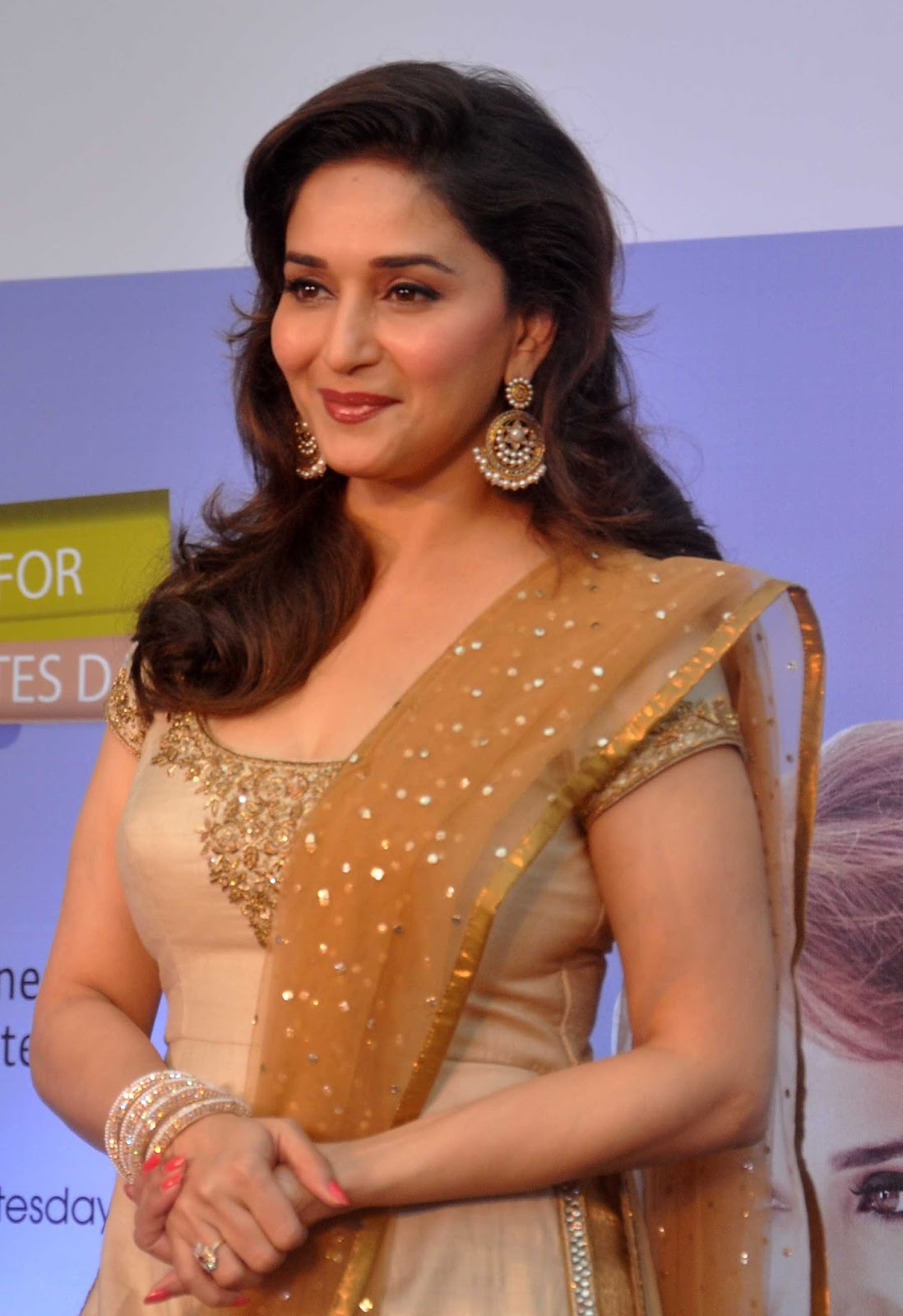 official madhuri dixit actress contact 91 701671 2 event booking enquiry celebrity manager book actor contact details live show contact number official