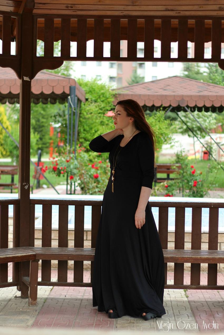 www.nilgunozenaydin.com-moda blogu-moda blogları-siyah elbise-kloş elbise