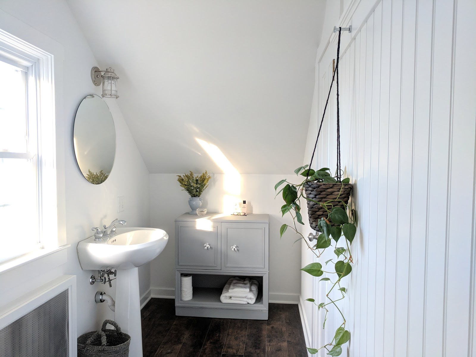 RENOVATION REVEAL: Susan and Carl\'s Pink Tile Guest Bathroom