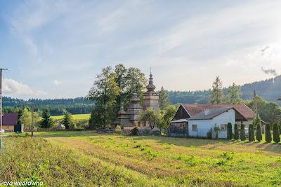Cerkiew w Kwiatoniu widziana z głównej drogi