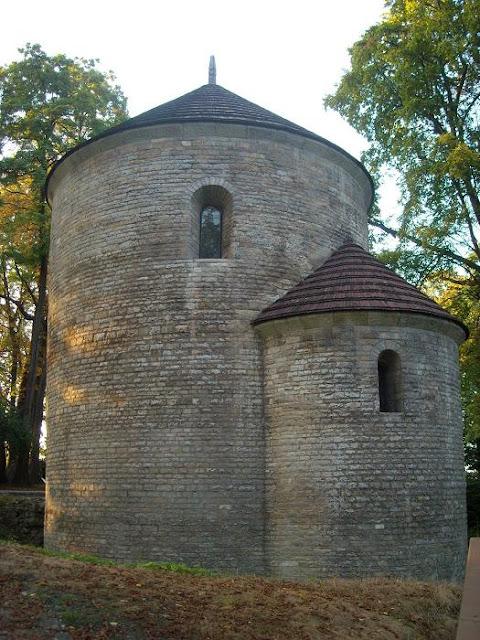 XI wieczna piastowska rotunda w Cieszynie