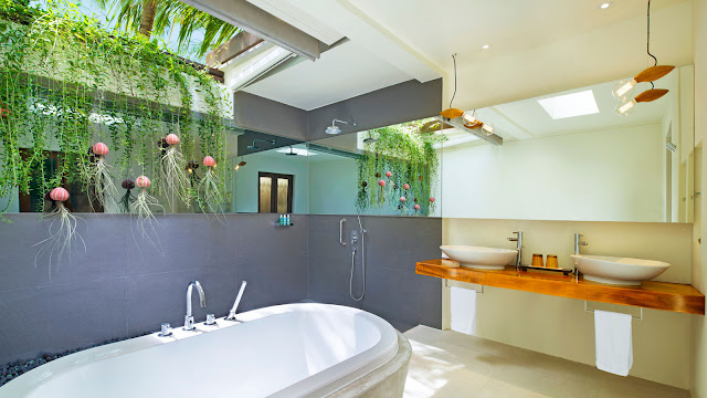 W Maldives, Fesdu Island, Wonderful Beach Oasis Villa, Bathroom