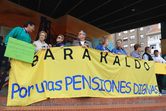 protesta de pensionistas en la Herriko Plaza