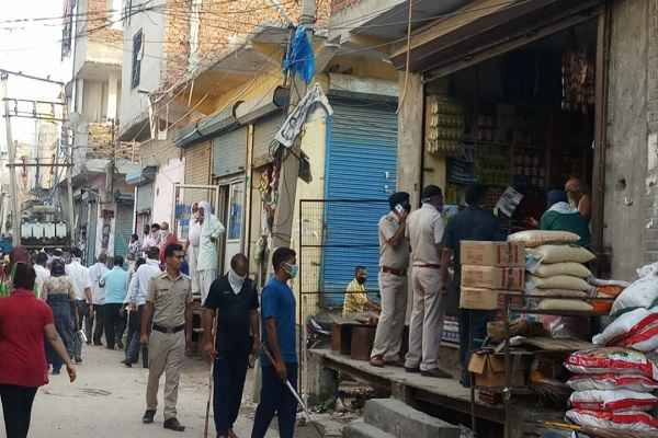 faridabad-nagla-road-atal-chowk-loot-kiryana-shop-cash-5-july-news