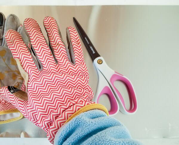 wear gloves when handling flashing
