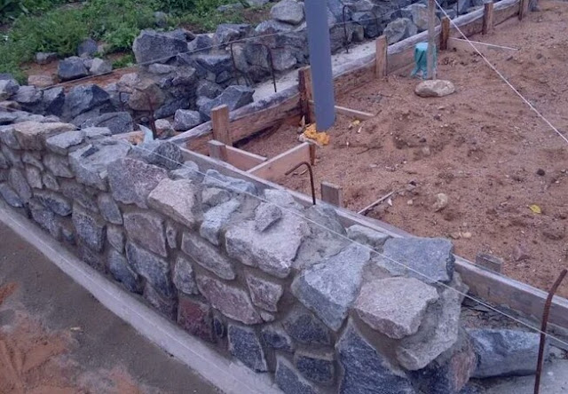 Rubble support of the foundation