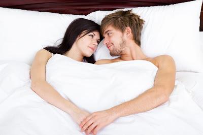 نصائح لتعيدي الرومانسية إلي علاقتك الحميمة
