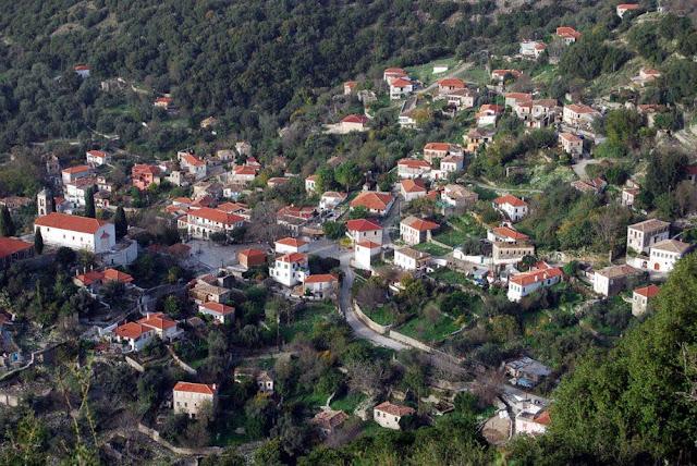 """Θεσπρωτία: """"Zωντανεύει"""" το χωριό Πλαίσιο Φιλιατών από το καφενείο, που λειτούργησε ένα νεαρό ζευγάρι!"""