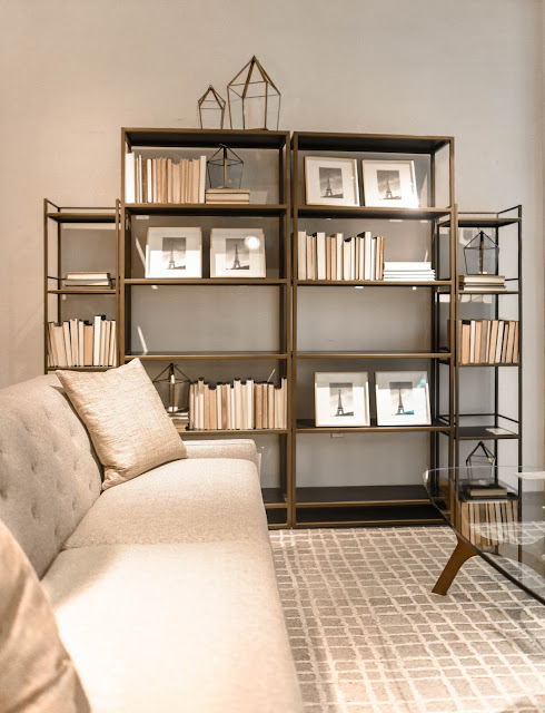 Place pictures on an existing shelve
