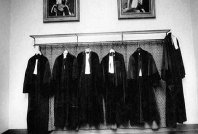 आखिर क्यों काला कोट और सफेद शर्ट ही पहनते हैं वकील ? सदियों पुराना है इतिहास