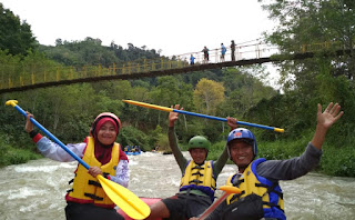 Wisata Arung Jeram Takengon, Sensasi Mengarungi Sungai Pesangan