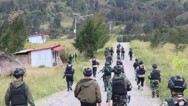 Kronologi Baku Tembak TNI-Polri Vs KKB di Puncak Papua