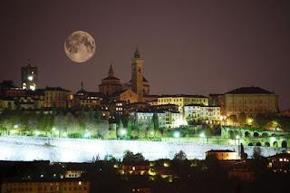 Morte sulle mura, racconto giallo di Carlo Capotorto ambientato a Bergamo, leggi gratis la storia di un omicidio